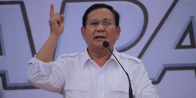 Disebut 'Jenderal Kardus', Prabowo malah asyik main sama kucing