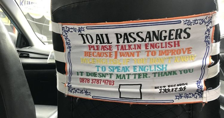 Keren, sopir taksi ini wajibkan penumpangnya pakai bahasa Inggris