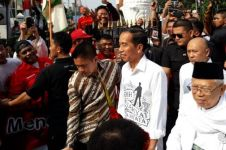 Ini beda keunikan kemeja Jokowi saat daftar di KPU dan tes kesehatan
