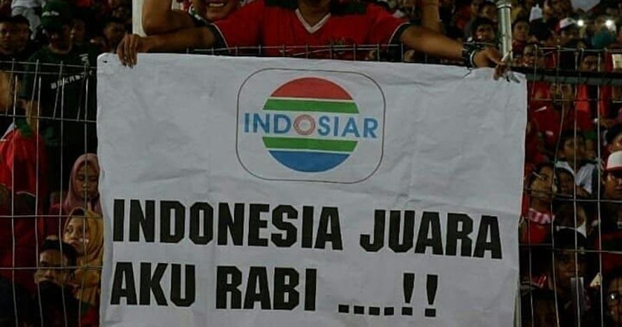 Aksi suporter Indonesia di AFF & Asian Games, ada yang pungut sampah