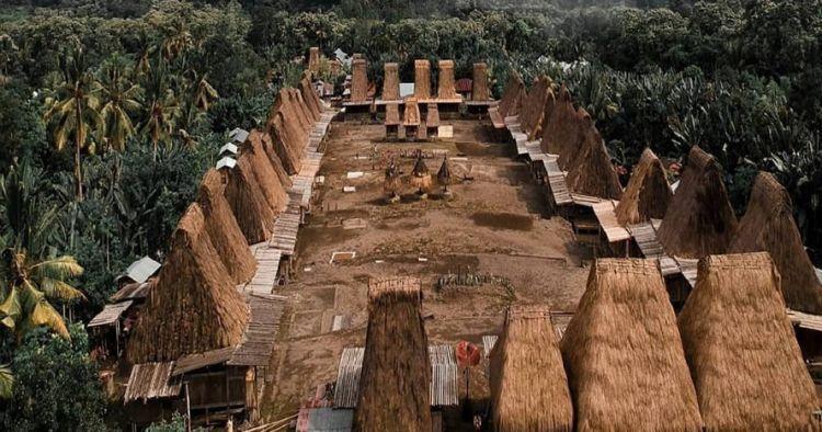 Kampung adat Gurusina NTT terbakar, puluhan rumah tradisional hangus