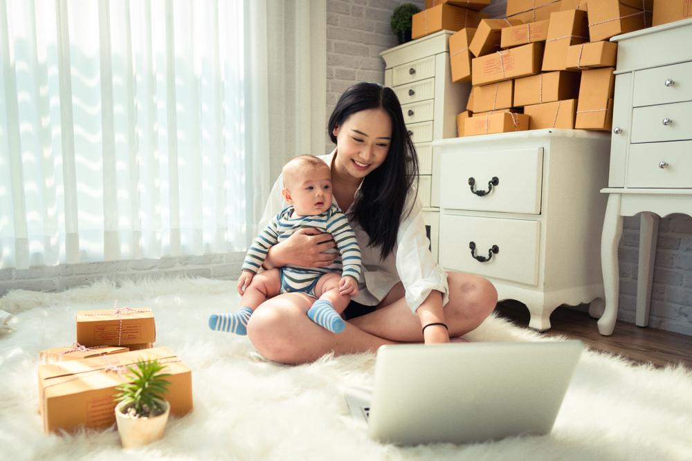 Stay di rumah tetap bisa bikin mama muda produktif, begini 7 caranya