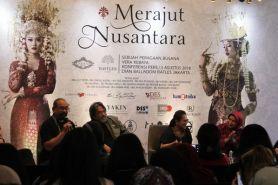 Fashion show ini menampilkan kebaya Nusantara dengan tampilan kekinian