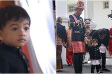 5 Tingkah lucu Jan Ethes ikut Jokowi upacara HUT RI, bikin salah fokus