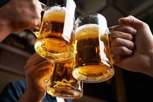 Dari jantung hingga tulang, ini segudang manfaat kesehatan minum bir