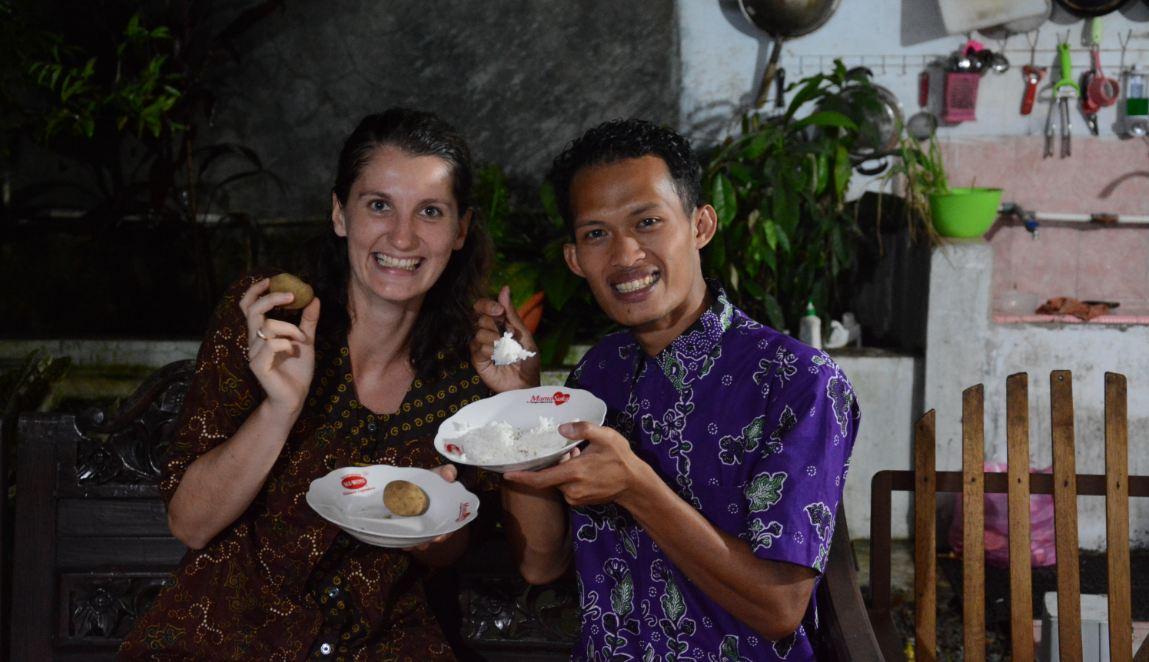 Jodoh tak ke mana, petani di Banjarnegara nikahi bule cantik asal Ceko