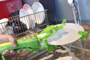 Inovatif, alat ini bikin mencuci piring lebih praktis & mudah