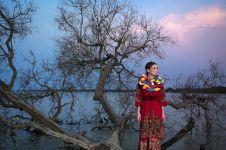 Wow, potret super keren ini padukan keindahan alam & budaya Indonesia