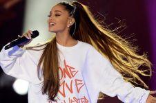 Pesona Ariana Grande kenakan gaun karya desainer Surabaya di MTV Award