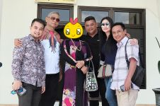 5 Potret Dewi Perssik rayakan Idul Adha di Jember, ibunya jadi sorotan
