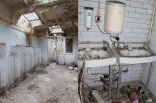 Toilet umum rusak diubah jadi rumah mewah ini hasilnya menakjubkan