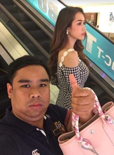 lelaki jempol thailand istimewa