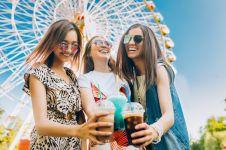 Dari kocak sampai bikin penasaran, ini 5 tipe teman saat jalan bareng