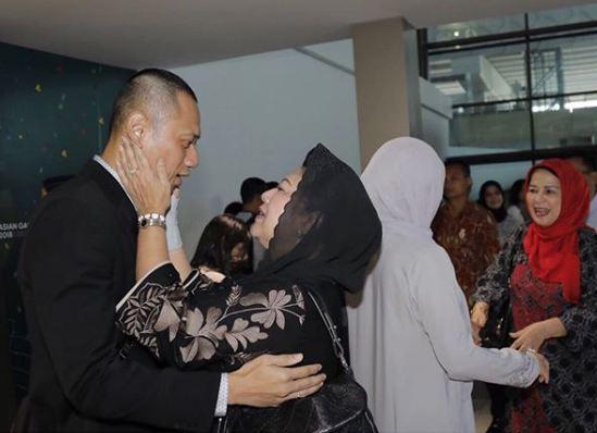penyambutan ahy setelah berhaji ©Instagram/@aniyudhoyono