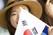 10 Aksi suporter cantik Korea Selatan di Asian Games bikin gagal fokus