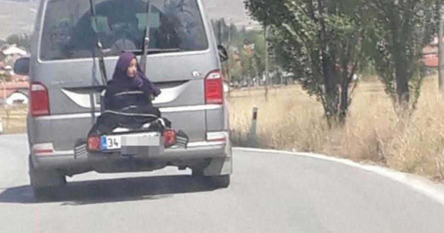 Pria ini ikat anaknya di belakang mobil yang tengah jalan, teganya