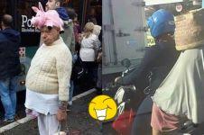 10 Barang yang dipakai kakek & nenek ini bikin cekikikan di jalan