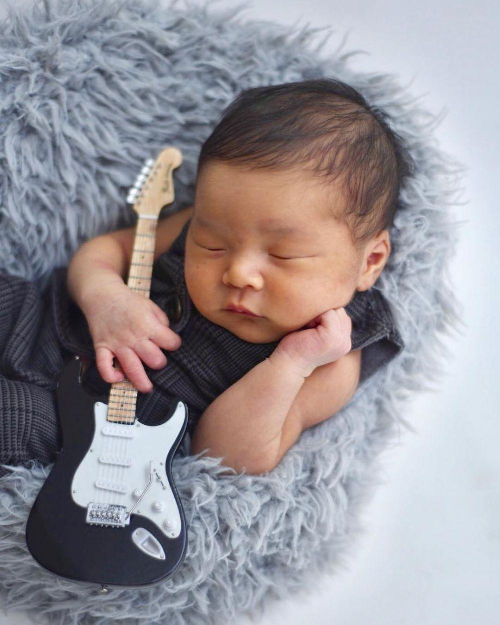 newborn musik © 2018 brilio.net