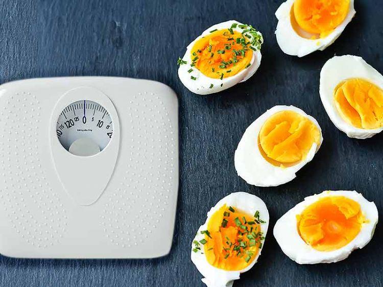 Turunkan 11 kg berat badanmu dengan menu diet telur rebus ini