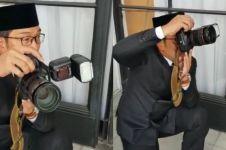 Jadi fotografer dadakan, warganet justru soroti alas kaki Ridwan Kamil