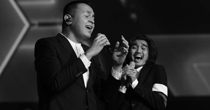 4 Penyanyi ini berkesempatan nyanyi sepanggung dengan idolanya