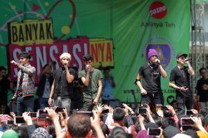 Meriah, boyband kelas dunia ini bikin histeris anak SMA di Bekasi