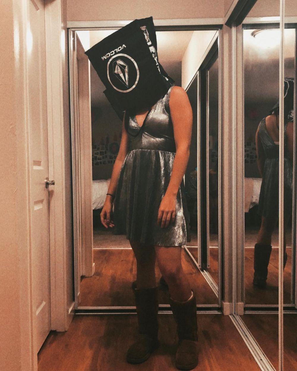 pemotretan Victoria Beckham © 2018 Instagram