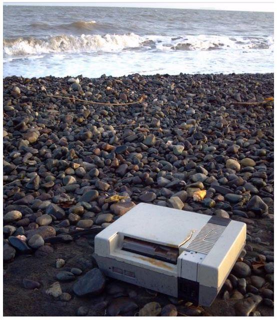 barang di pantai © 2018 brilio.net