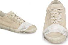 4 Sepatu ini harganya bikin melongo, padahal tampak rusak dan kotor