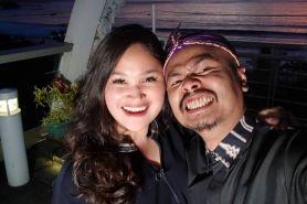8 Momen mesra Wendi Cagur & istri, dari prewed hingga 8 tahun menikah