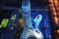 Gedung ini jadi ketawaan netizen, ternyata ini inspirasi bentuknya