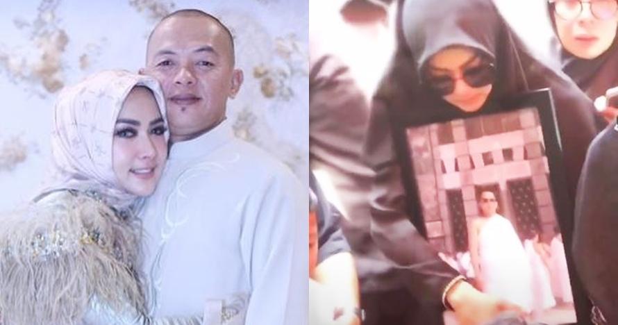 5 Potret haru pemakaman kakak Syahrini, peluk erat foto mendiang