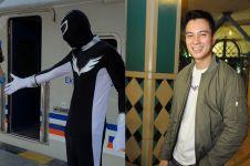 Keliling Solo pakai kostum Power Ranger, aksi Baim Wong ini kocak abis