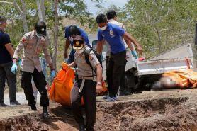 10 Potret pemakaman massal korban gempa & tsunami di Palu-Donggala