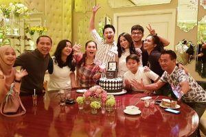 6 Momen ulang tahun Angga Wijaya, surprise mewah dari Dewi Perssik