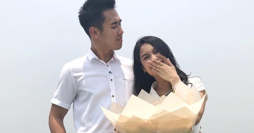 Belum lama pacaran, begini cara romantis Ryuji Utomo lamar kekasihnya