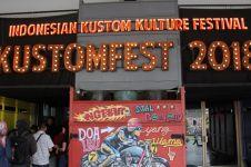 10 Potret meriah Kustomfest 2018, ada pesawat bermesin motor gede