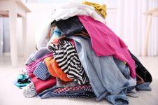 Penelitian ini ungkap orang lebih memilih buang baju OOTD usai dipakai