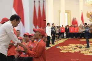 Lewati target, ini canda Jokowi saat beri bonus atlet Asian Para Games
