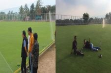Kades ini bikin lapangan bola di desa tapi berkualitas dunia, dahsyat!