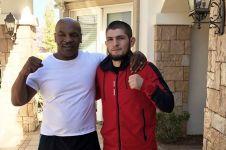 Khabib akan didukung Mike Tyson saat bertarung lawan Floyd Mayweather
