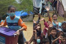 10 Momen Awkarin jadi relawan korban gempa di Palu, bikin haru
