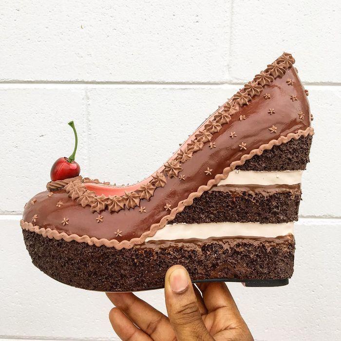 desainnya mirip kue boredpanda.com