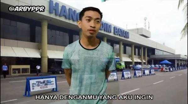 Pelesetan nama 9 bandara di Indonesia ini buat kamu ketawa ...