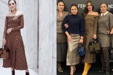 11 Pasang seleb ini pernah pakai baju sama, gaya siapa paling kece?
