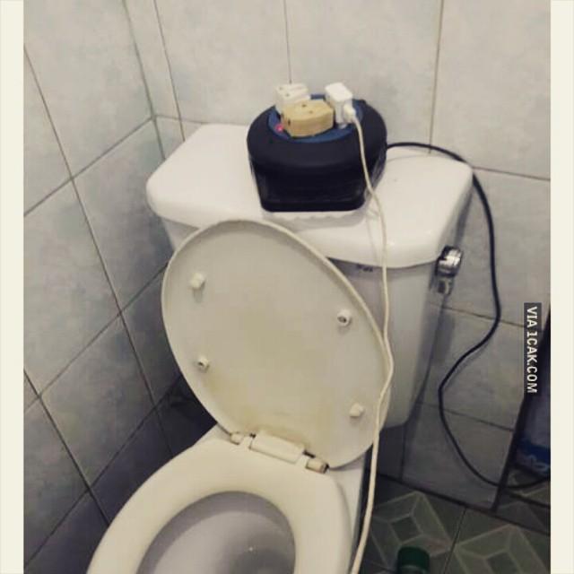 toilet benda aneh © 2018 berbagai sumber