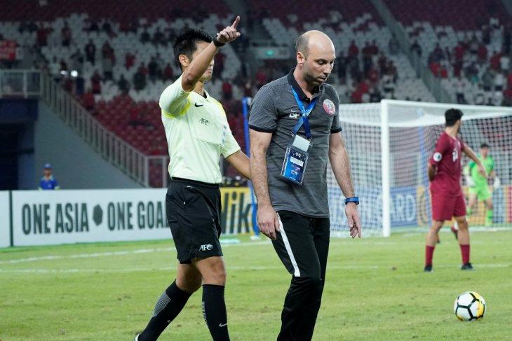 Aksinya kontroversial, ini momen pelatih Qatar U-19 'diusir' wasit