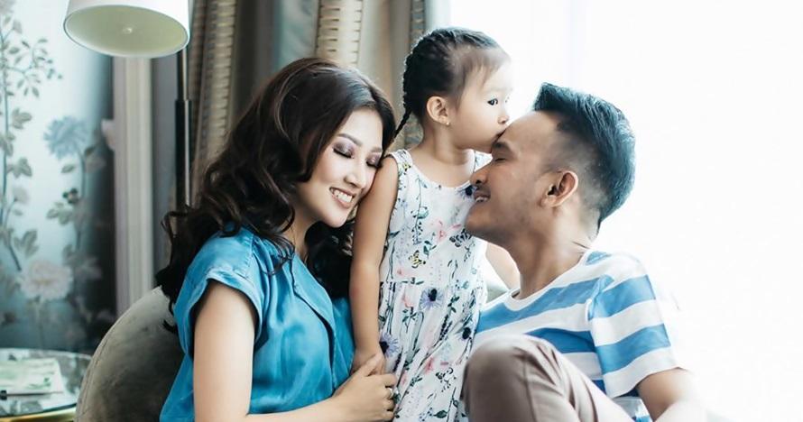 Unggah foto test pack, Ruben Onsu umumkan kehamilan sang istri
