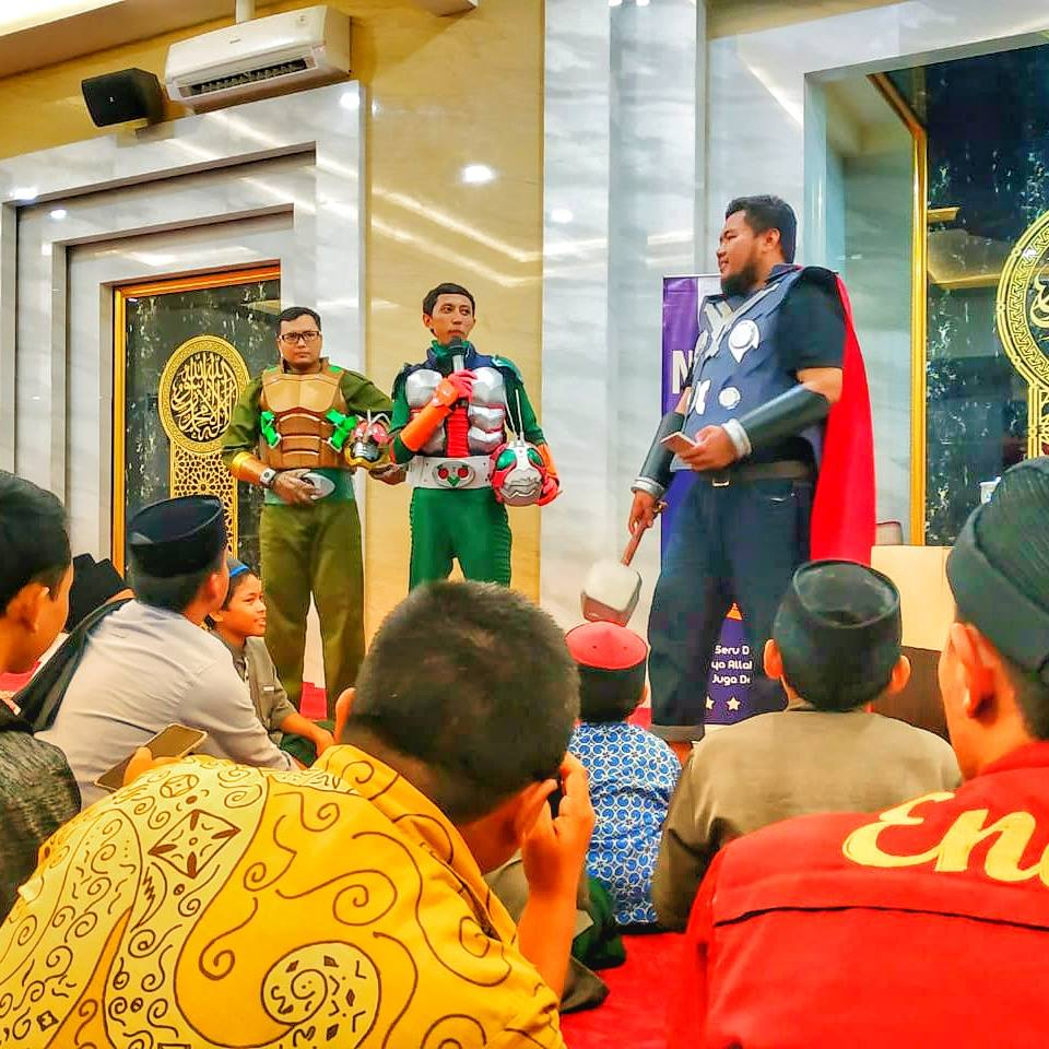 komunitas muslim superhero © Facebook/superheroberamal