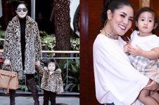 8 Fashion item mewah Akifa putri Nindy Ayunda, tasnya Rp 10 juta